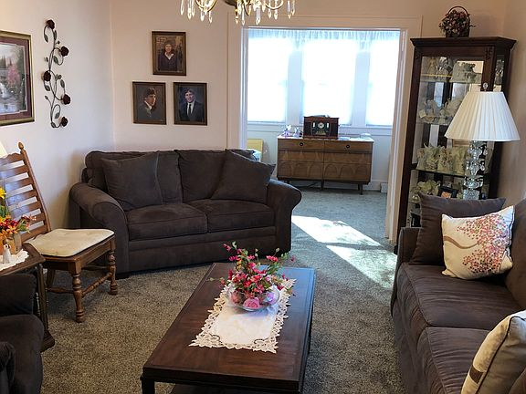 Admirable 1314 Diamond St Onawa Ia 51040 Gmtry Best Dining Table And Chair Ideas Images Gmtryco