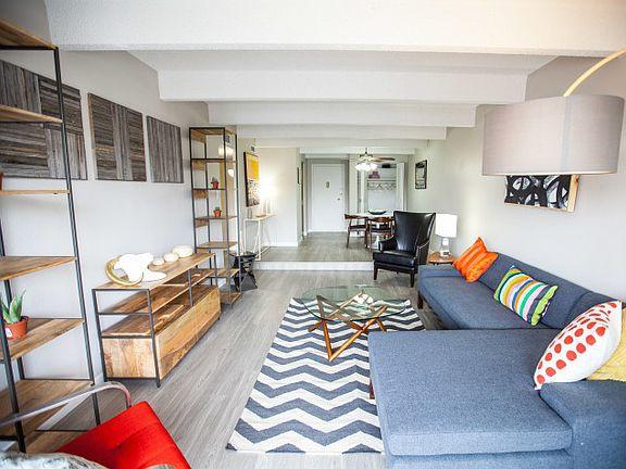 The Paramount Apartment Rentals - Denver, CO