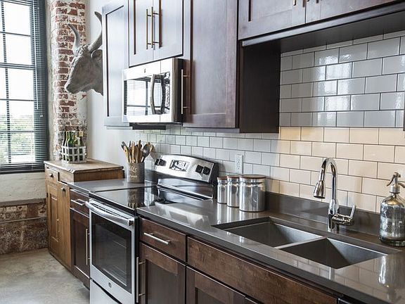 West Village Lofts At Brandon Mill Apartment Rentals ...
