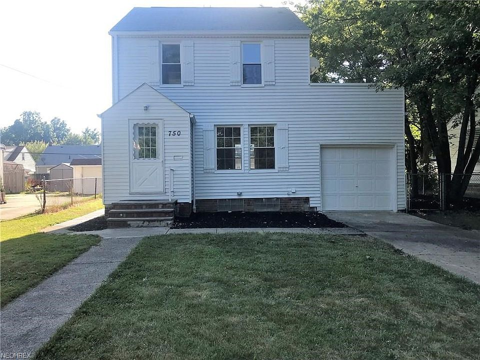 750 e 250th st euclid oh 44132 mls 4020164 zillow rh zillow com