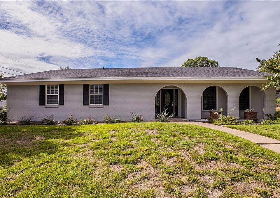 408 Wooded Crest Dr, Woodway, TX 76712 | MLS #185179 | Zillow