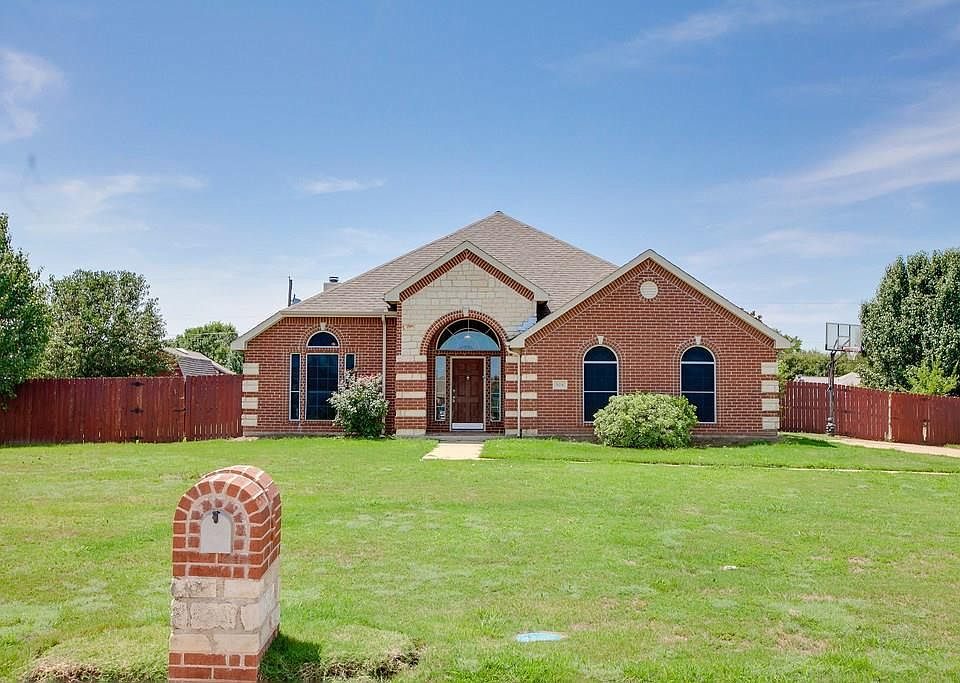 504 Timberside, Terrell, TX 75161