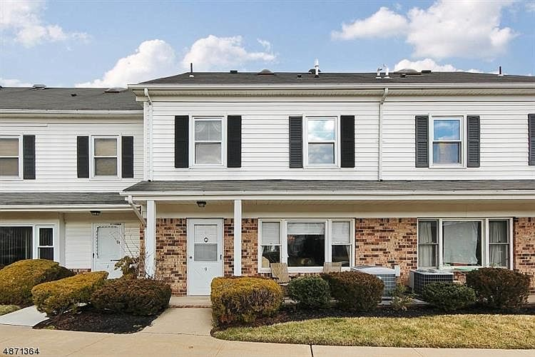 9 Yarmouth Ct, Scotch Plains, NJ 07076