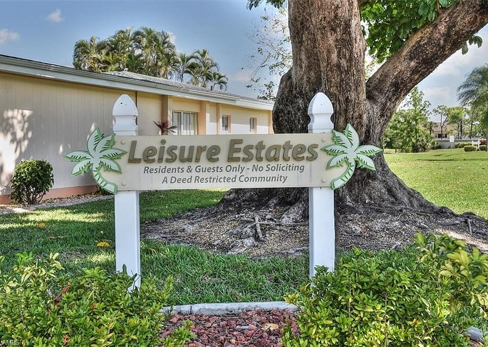 8649 Flores Ct, Fort Myers, FL 33907