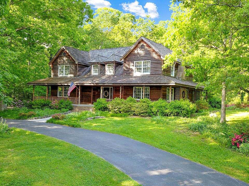 Pleasant 324 Old Clover Hill Rd Maryville Tn 37803 Mls 1076653 Zillow Download Free Architecture Designs Scobabritishbridgeorg