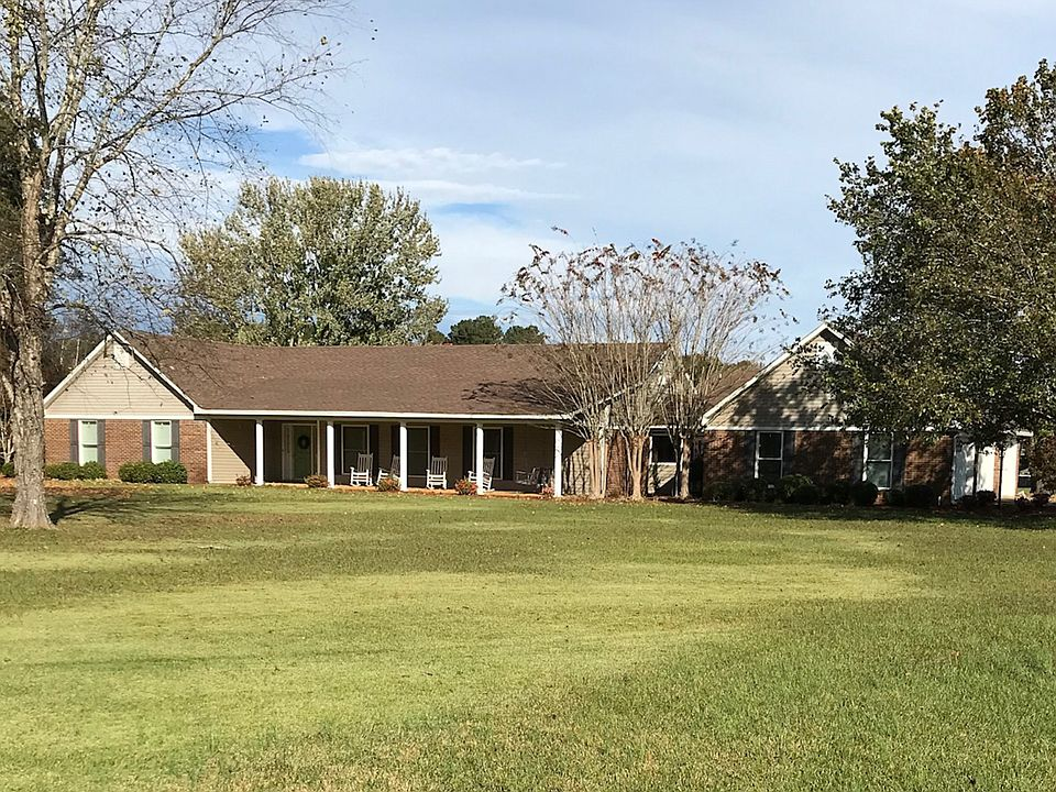 50003 Robinson West Cir, Amory, MS 38821