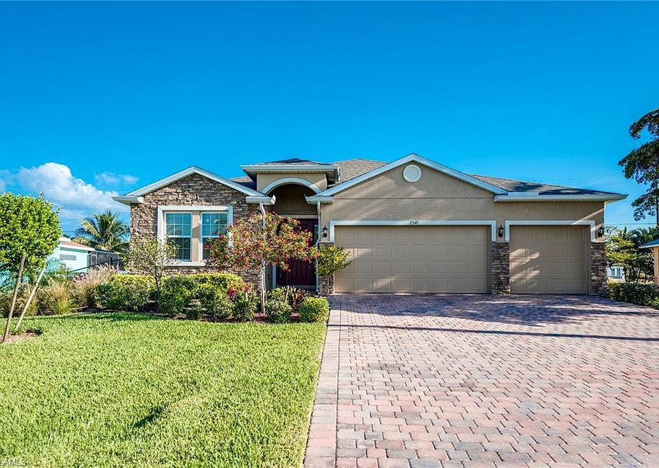 Surprising 2541 Sw 32Nd Ln Cape Coral Fl 33914 Mls 219019492 Zillow Interior Design Ideas Gentotryabchikinfo