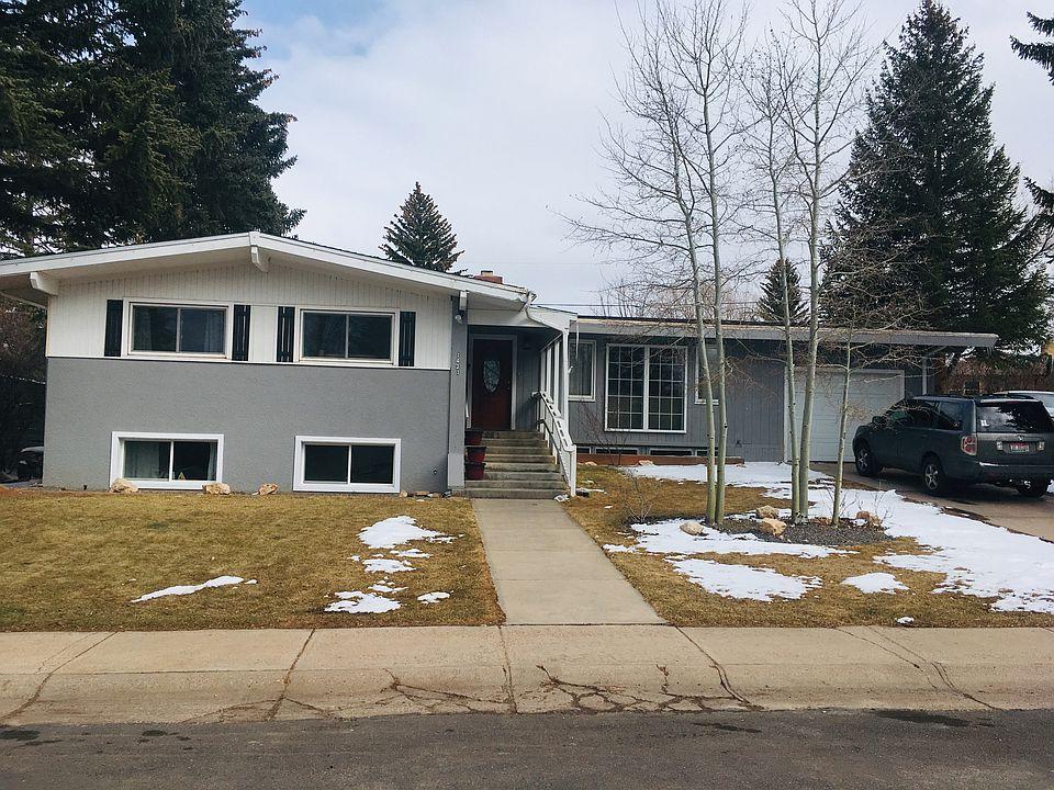 Genial 1421 Bridger St, Laramie, WY 82070