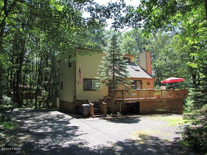 106 Orchard Rd, Hawley, PA 18428