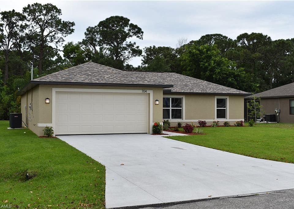 Enjoyable 704 Sw 4Th Ter Cape Coral Fl 33991 Mls 218078460 Zillow Interior Design Ideas Gentotryabchikinfo