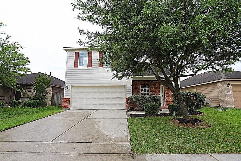 Pleasing 6607 Pine Tree Gln Houston Tx 77049 Mls 46444361 Zillow Home Remodeling Inspirations Genioncuboardxyz