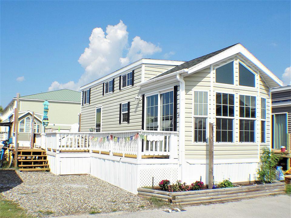 27 Boardwalk Rv Park, Emerald Isle, NC 28594