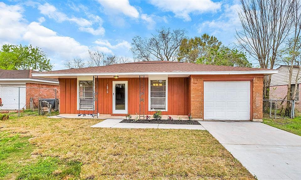 Amazing 16918 Woodacre Dr Houston Tx 77049 Mls 90806237 Zillow Home Remodeling Inspirations Genioncuboardxyz