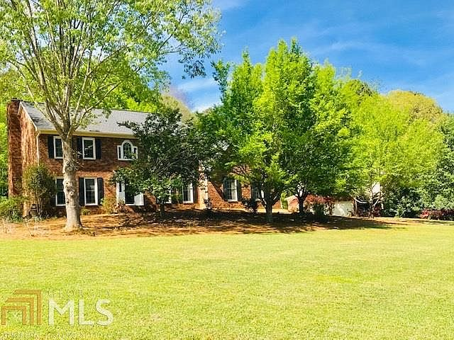 301 Viewpoint Dr, Peachtree City, GA 30269