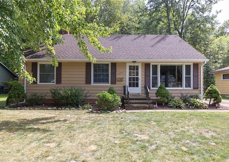 23841 Oak Ln North Olmsted Oh 44070