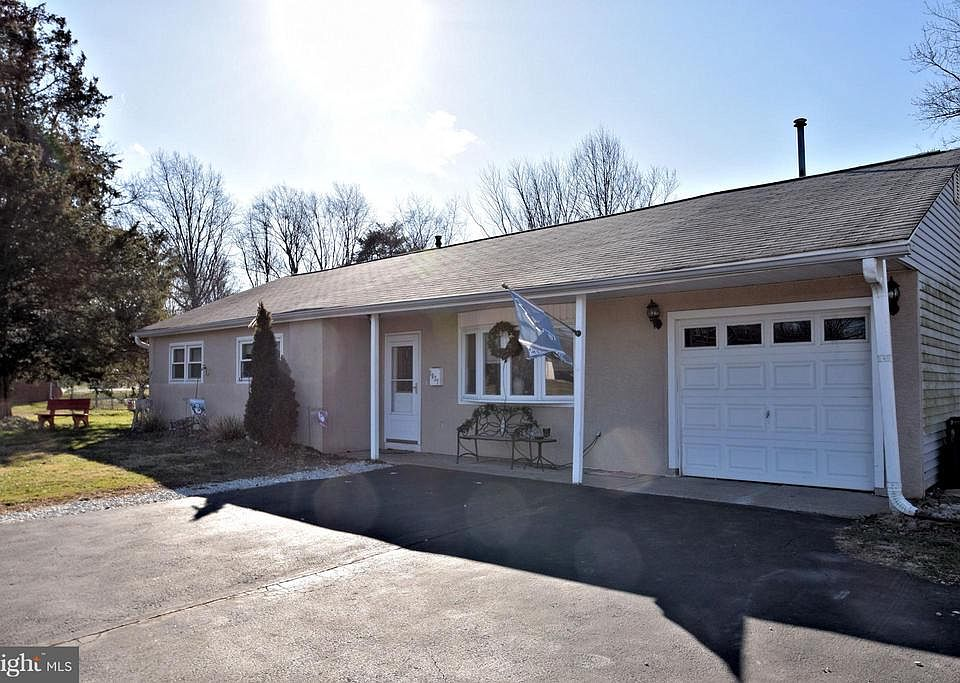 Stupendous 1037 Germantown Pike Plymouth Meeting Pa 19462 Mls Pamc375166 Zillow Home Interior And Landscaping Fragforummapetitesourisinfo