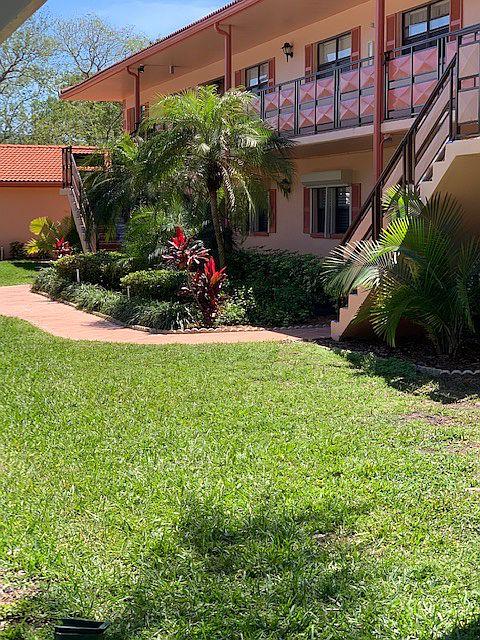 8140 Terrace Garden Dr N Unit 204, Saint Petersburg, FL 33709