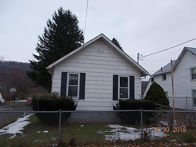 910 Sullivan St, Elmira, NY 14901