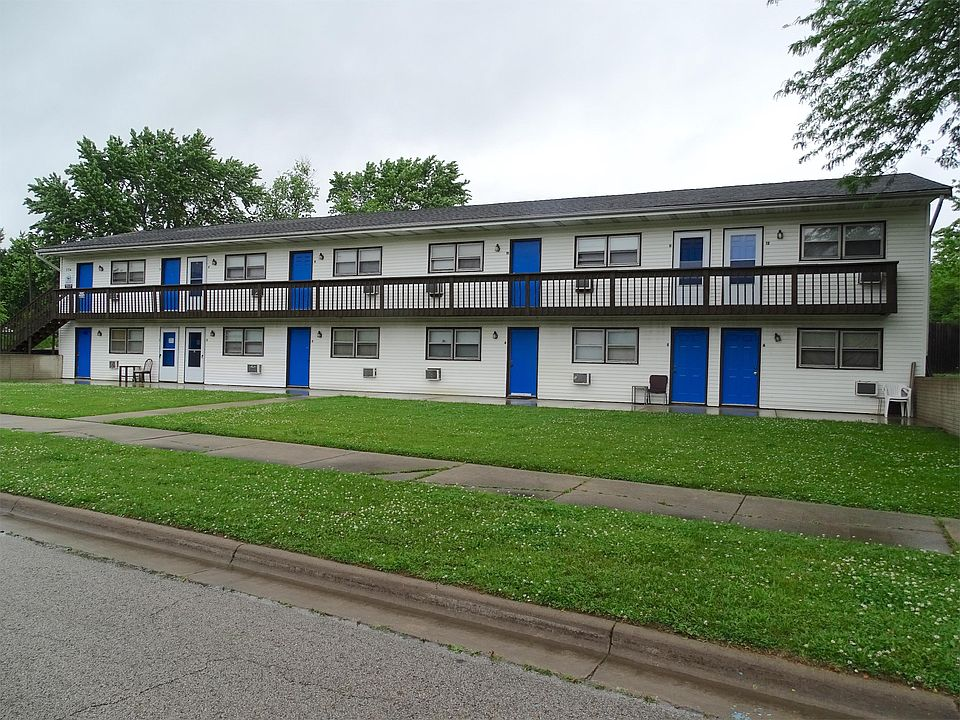 704 Golfcrest Rd S APT 7, Normal, IL 61761 | Zillow