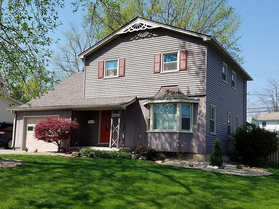 Cool 2051 Brownlow Ct Decatur Il 62521 Home Interior And Landscaping Ponolsignezvosmurscom