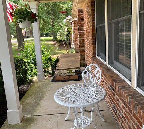 2890 Spring Water Dr Saint Louis Mo, Outdoor Furniture St Louis Mo