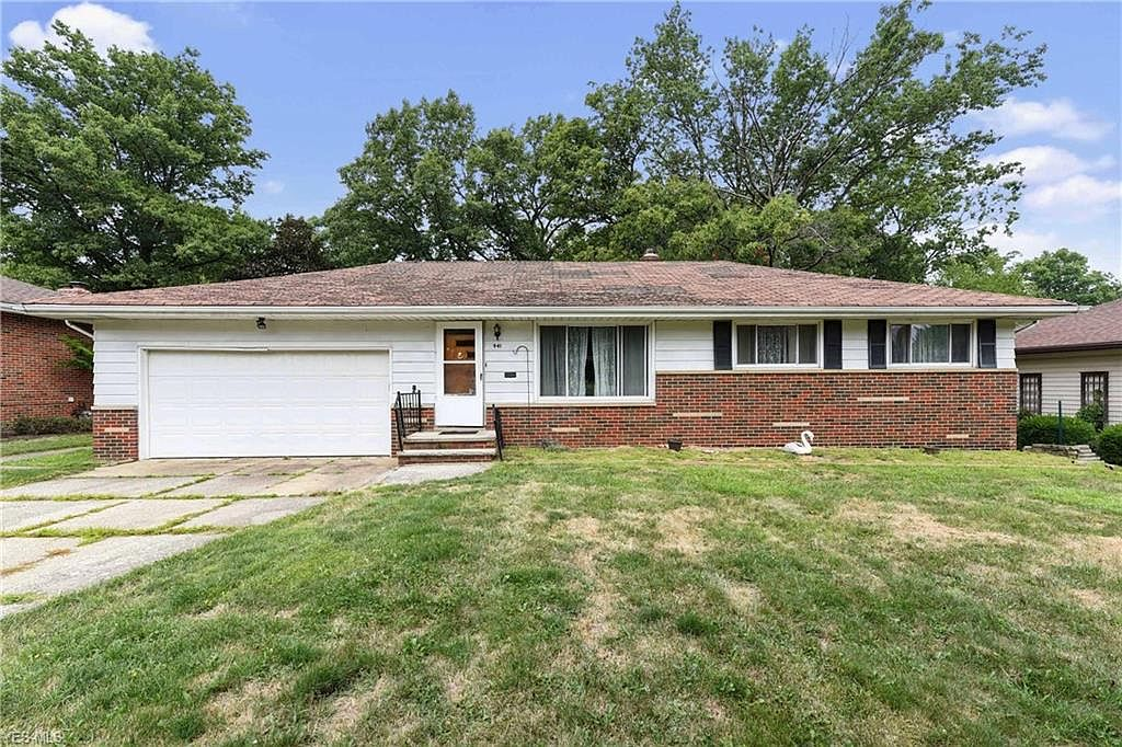 941 Twilight Dr Seven Hills Oh 44131 Zillow