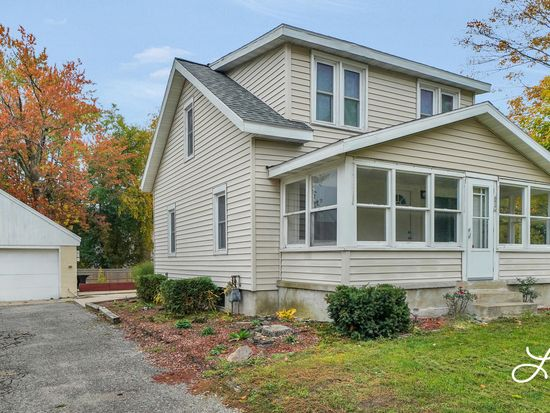 2711 Byron Center Ave SW, Wyoming, MI 49519 | Zillow