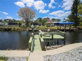 1136 Seahorse Ln, Englewood, FL 34224 | MLS #D6111376 | Zillow