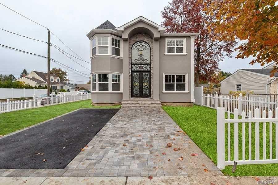 19 Myers Ave, Hicksville, NY 11801   Zillow