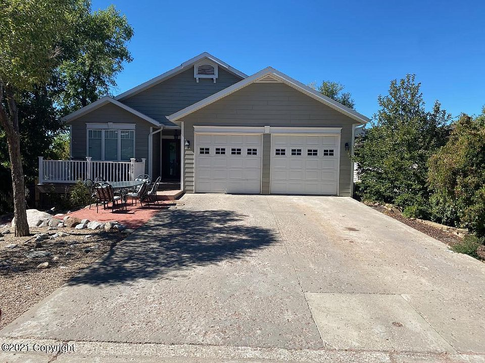 802 Dalbey Ave Gillette Wy 82716 Mls 21 739 Zillow