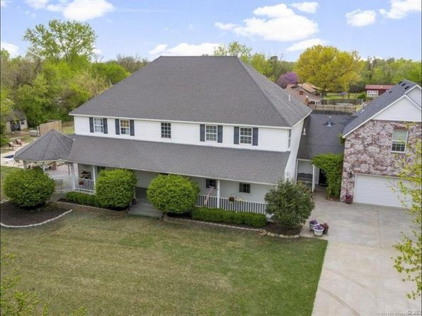 Mother In Law Suite Tulsa Real Estate 3 Homes For Sale Zillow