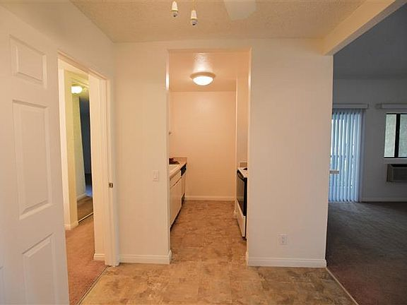 Mcfadden Village Apartment Rentals Tustin Ca Zillow