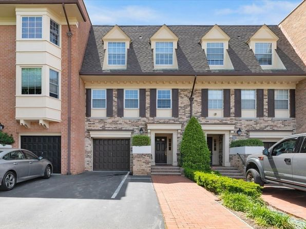 Baybridge Condominium 11360 Real Estate 6 Homes For Sale Zillow
