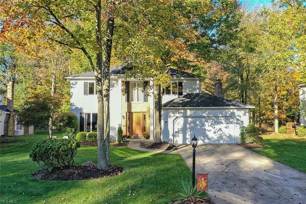 14000 Pine Lakes Dr Strongsville Oh 44136 Zillow Weather forecast in mobile app. 14000 pine lakes dr strongsville oh