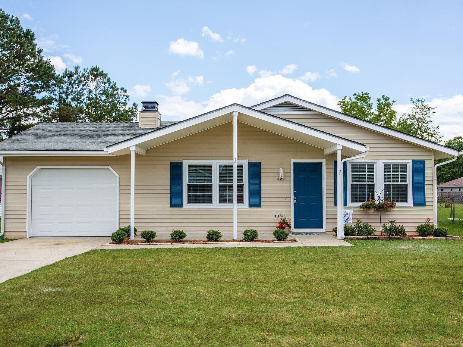 504 Cougar Pl Havelock Nc 28532 Zillow