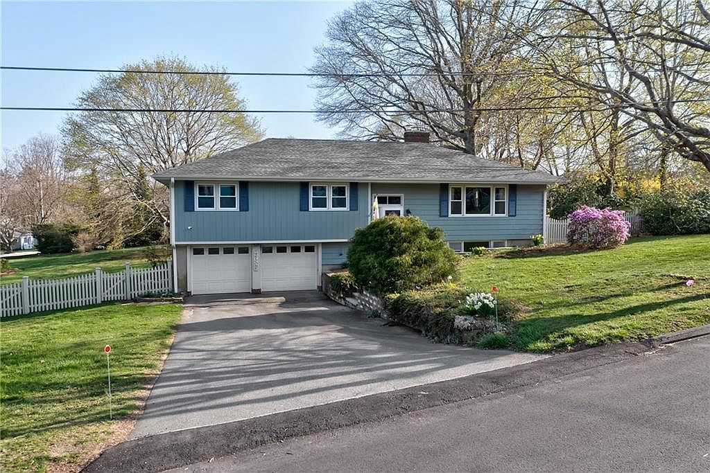 3 Acacia Dr, Middletown, RI 02842 | Zillow