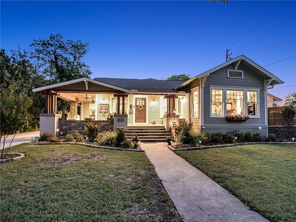 1802 S Austin Ave Georgetown Tx 78626 Zillow