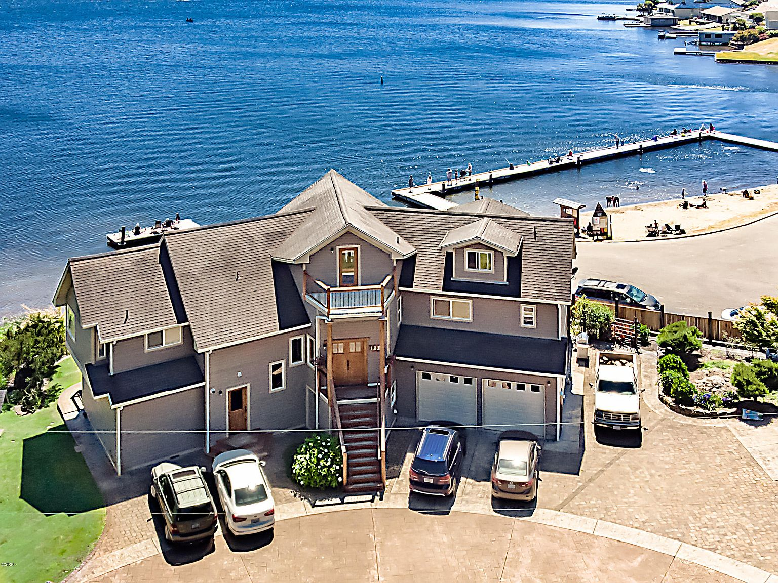 1220 Ne Lake Dr Lincoln City Or 97367 Zillow