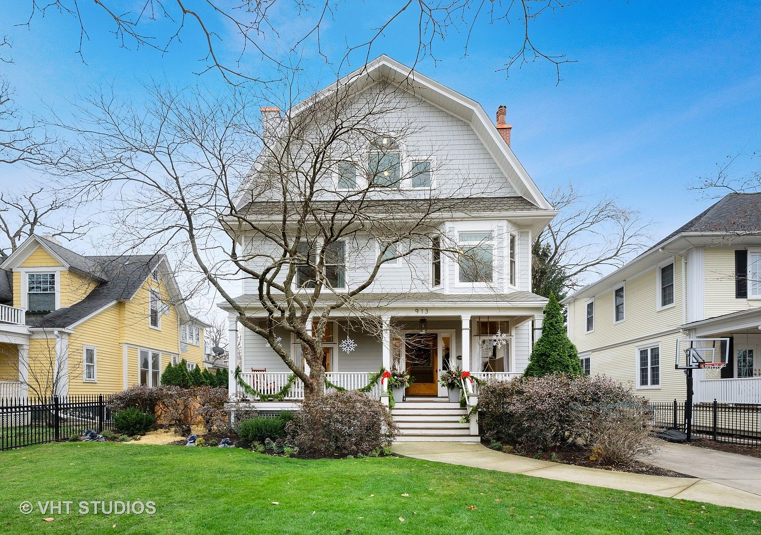 913 Central Ave Wilmette Il 60091 Zillow