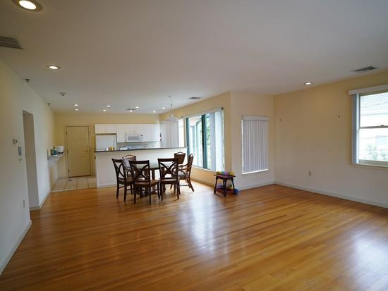 31 Channing St Apt 3 Newton Ma 02458 Zillow