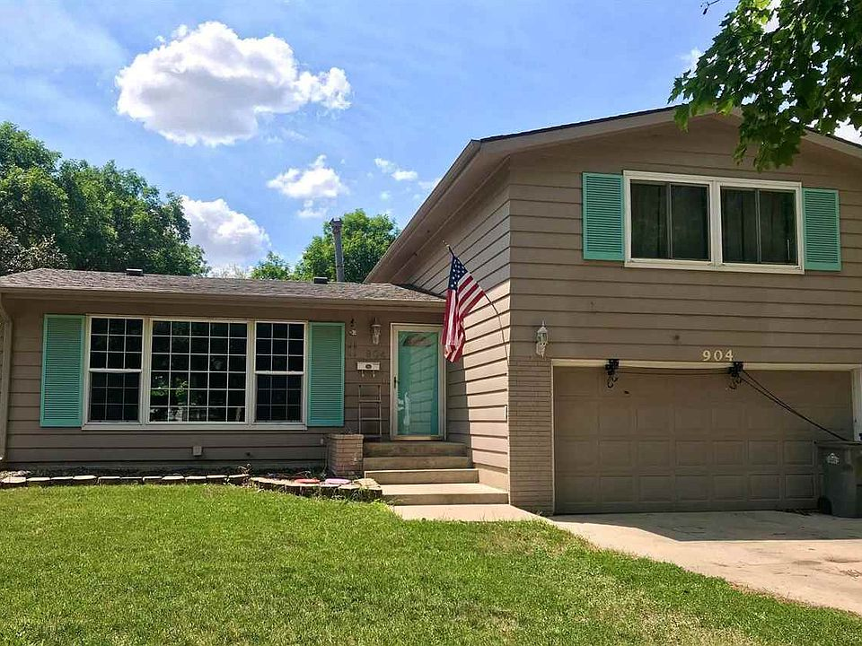 904 E 4th St Spencer Ia 51301 Mls 210565 Zillow