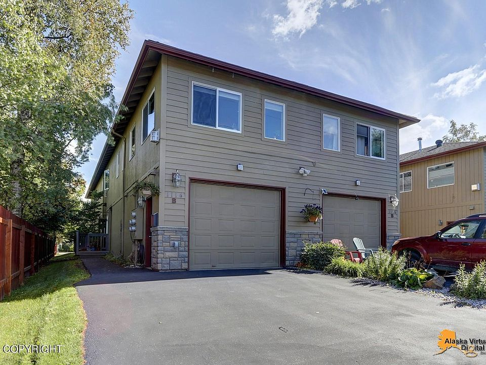1114 Latouche St B Anchorage Ak, Anchorage Garage Door