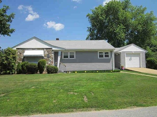 58 Lincoln Ave, Swansea, MA 02777   Zillow