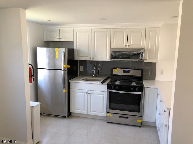 515 Brooklawn Ave Apt D1 Roselle Nj 07203 Zillow