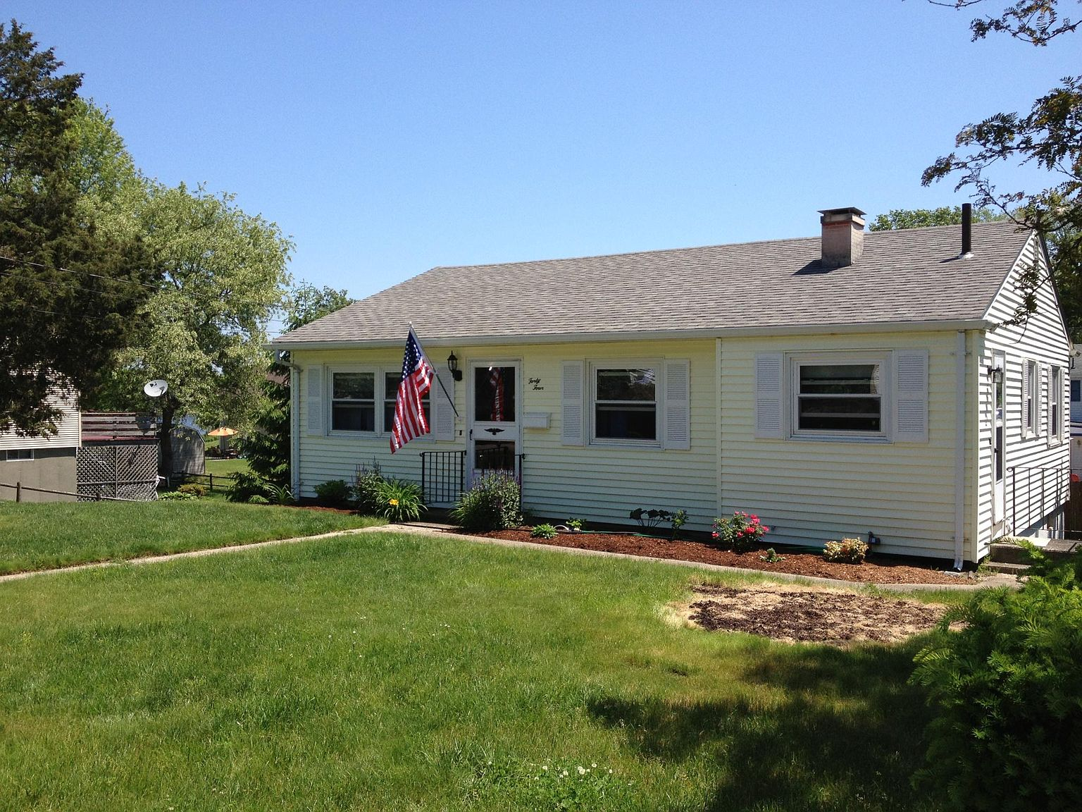 44 Shore Ave, Swansea, MA 02777   Zillow