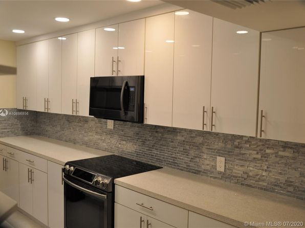 White Kitchen Cabinets North Miami Beach Real Estate 3 Homes For Sale Zillow