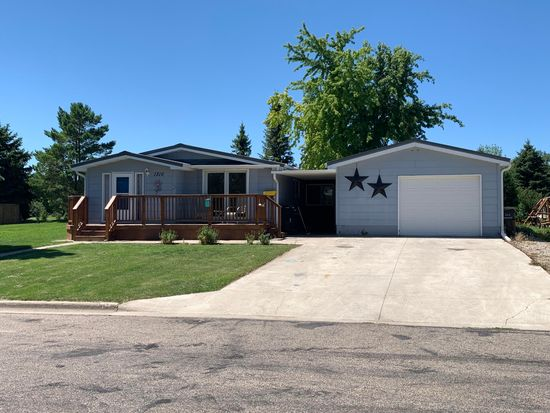 1316 15 1 2 Ave Sw Jamestown Nd 58401 Zillow