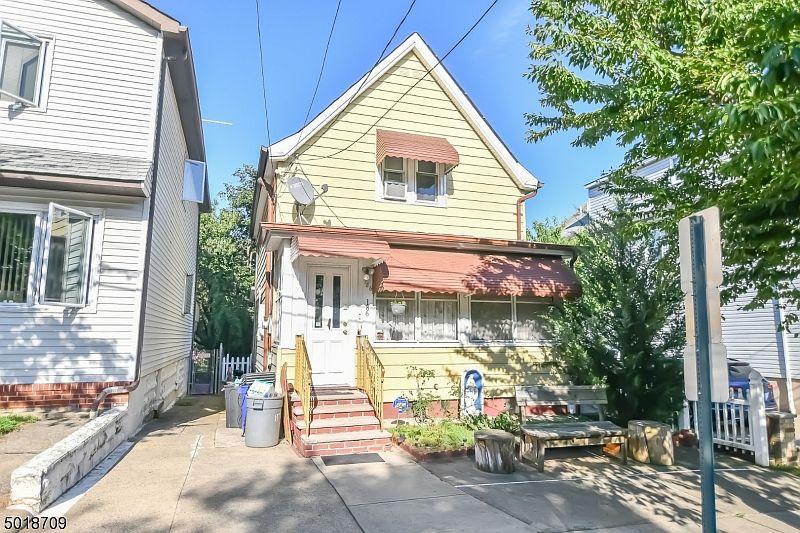 186 Pierre Ave Garfield Nj 07026 Zillow