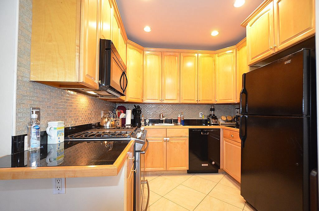 143 Mcdonald Ave Apt 2a Brooklyn Ny 11218 Zillow