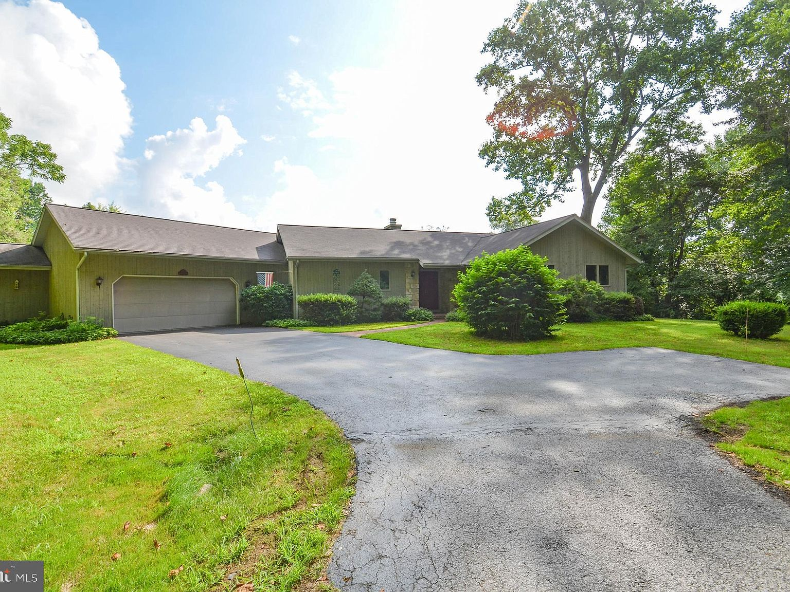 3227 Chestnut Hill Rd Center Valley Pa 18034 Mls Palh114664 Zillow
